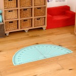 PROTRACTOR PLAYMAT 1