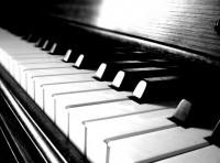 B&W Piano Mat